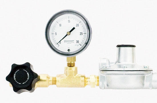 HIGH PURITY LOW DELIVERY PRESSURE REGULATORS Series 3700HP